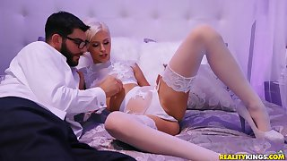 Kiara Cole wears despondent white lingerie for fucking without mercifulness