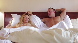 Sluggish wife Jessica Drake woken up with pussy licking and gets facial